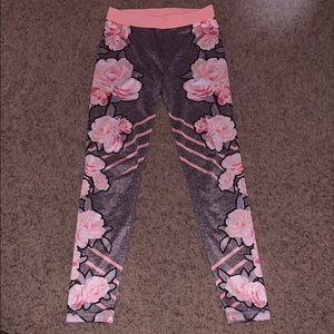 I am selling a pair of cute, comfy leggings.